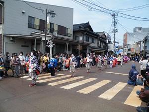 つばめ桜まつり おいらん道中2017 行列 写真