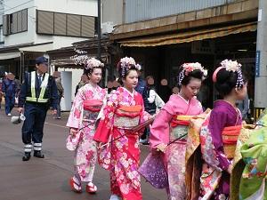 つばめ桜まつり おいらん道中2017 地蔵堂大通り