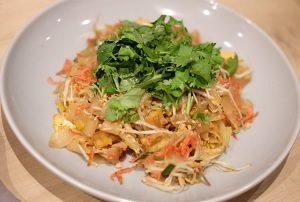 グランスタ東京駅エキナカ マンゴツリーキッチンパッタイ 上越市産 生米麺 まるどりっ!