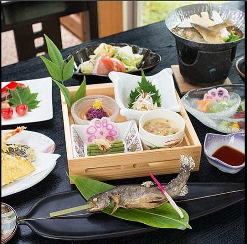 御神楽温泉 あすなろ荘 宿泊 お料理 山菜、野菜、川魚、お肉など 新潟県阿賀町