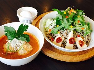 新潟・西区の蕎麦屋 蕎麦DAYS 人気メニュー トマトつゆ蕎麦