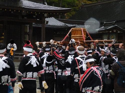 弥彦村(弥彦神社)弥彦湯かけまつり神湯いただきました2018年