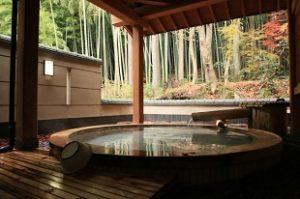 五頭今板温泉 湯本舘 鳥籠屋 十蔵 行灯 新潟県阿賀野市の旅館