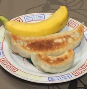 味楽(加茂市・新潟)バカでかい餃子 大餃子 お持ち帰り可 新潟一番サンデープラス